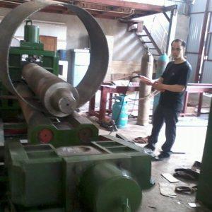 Lốc sản phẩm trên máy lốc tôn - Chế tạo tại Cơ khí Nam Anh